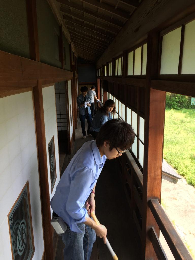 旧真壁家掃除風景1